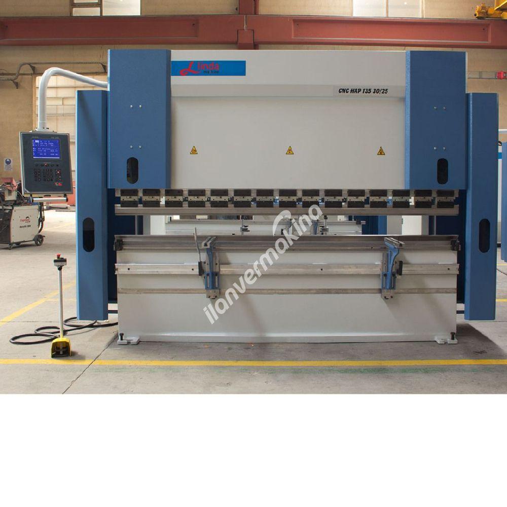 3 Meter x 135 Ton Abkant Pres - Press Brake