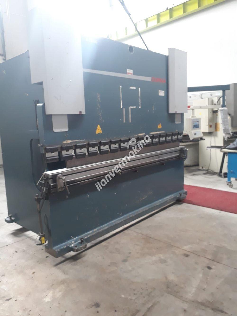 3 METRE 200 TON (10mm) DURMAZLAR HİDROLİK CNC ABKANT PRES