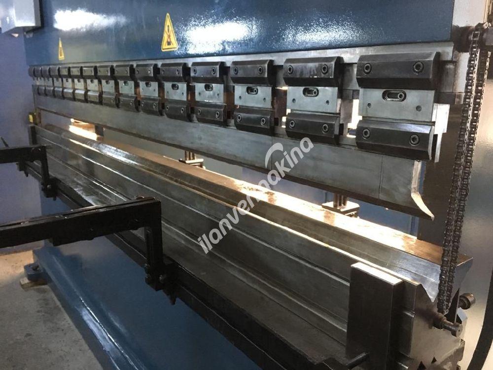 E30300 DURMAZLAR 3 METRE 300 TON CNC ABKANT PRES - TEMİZ