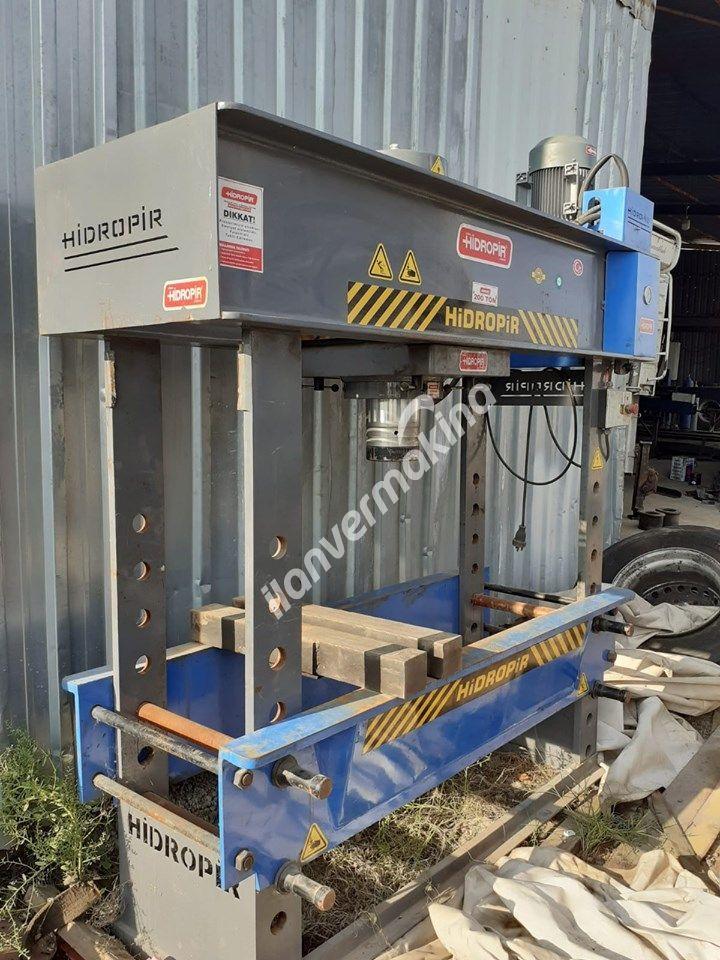 200 Ton Motorlu Gezer Pistonlu Hidrolik Pres