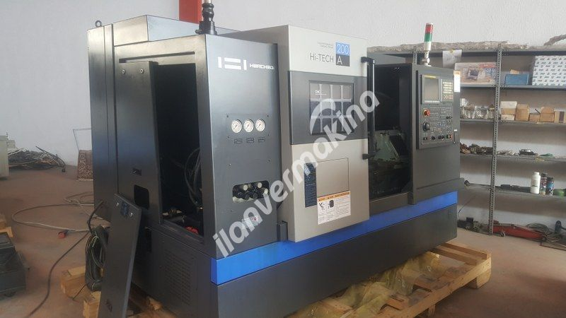 Hwacheon Hİ-TECH 200 A 8 İnç 2010 Model Cnc Torna