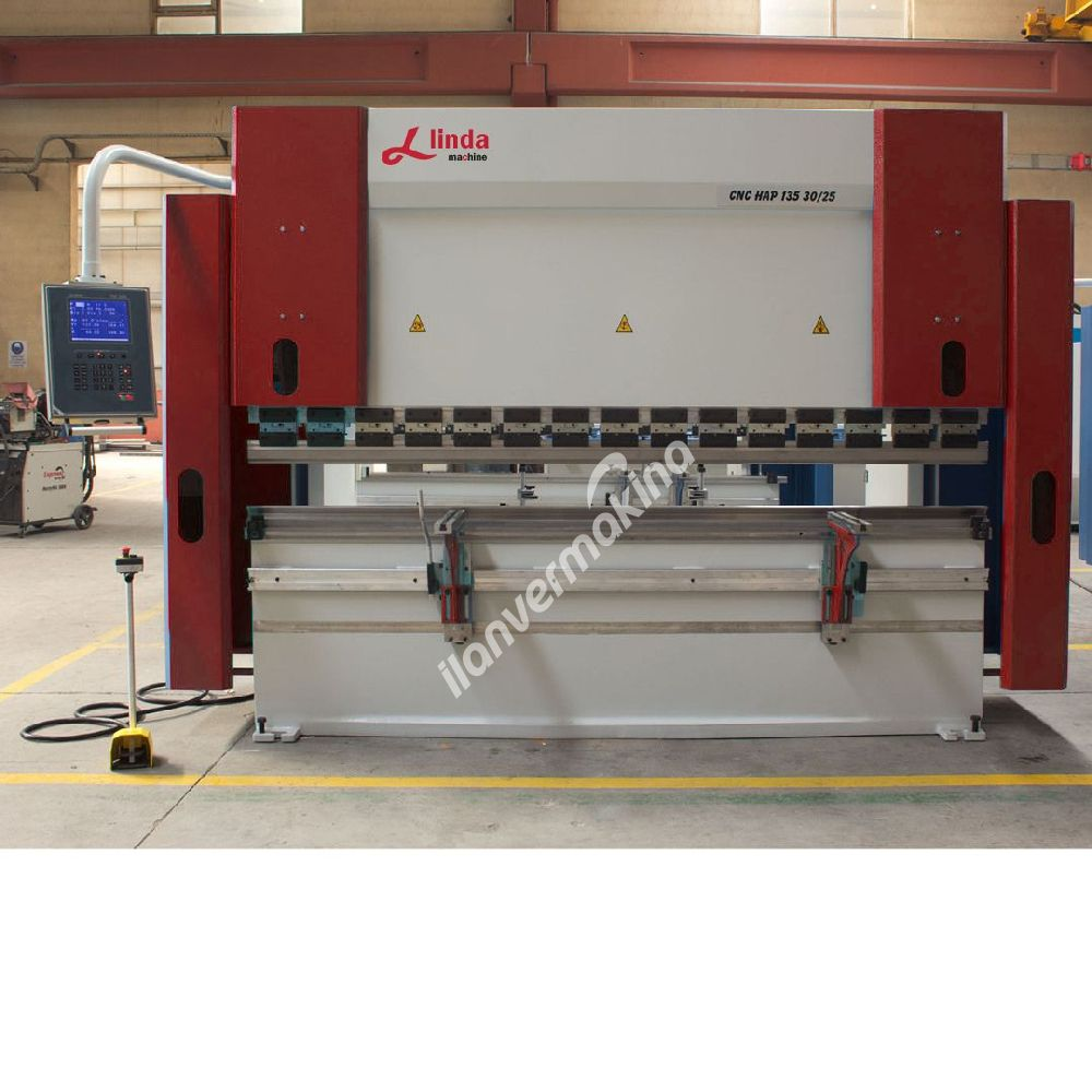 3000 x 135 Ton Abkant Pres - Press Brake