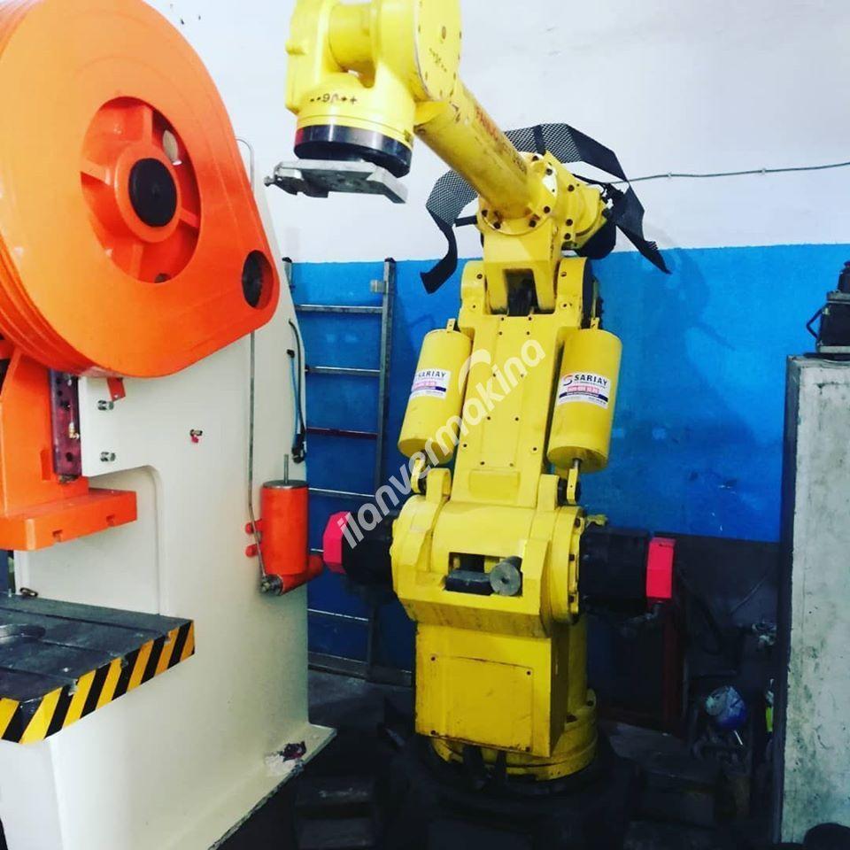 FANUC ROBOT 6 EKSEN 2METREYE 1,5 METRE ÇALIŞMA MESAFESİ