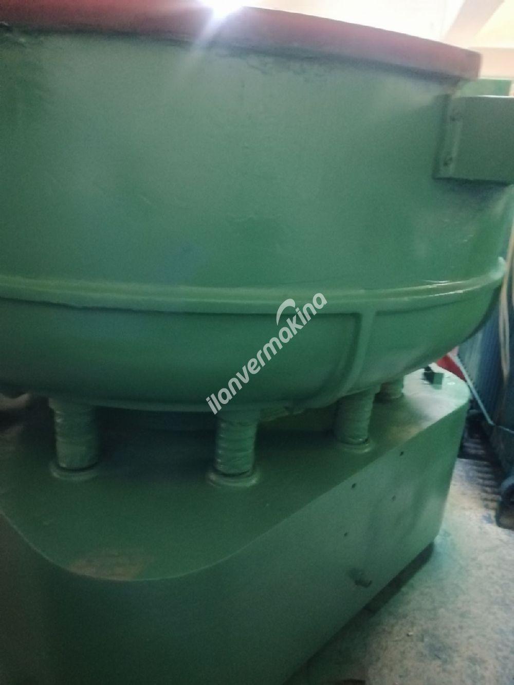 Vibrasyon çapak alma parlatma makinası 800 litre